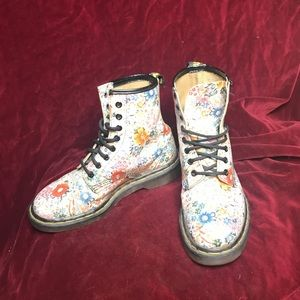 Floral made in England Doc Martens